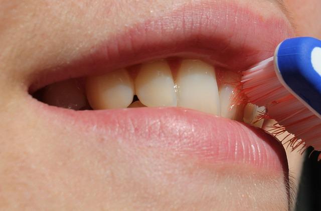 Bien choisir son dentifrice pour des dents saines
