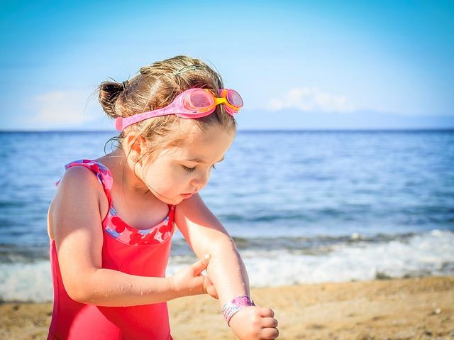 Choisir une crème solaire bio pour enfants, conforme et respectueuse de la santé et l'environnement