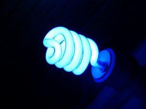 Ampoule basse consommation - économie d'énergie