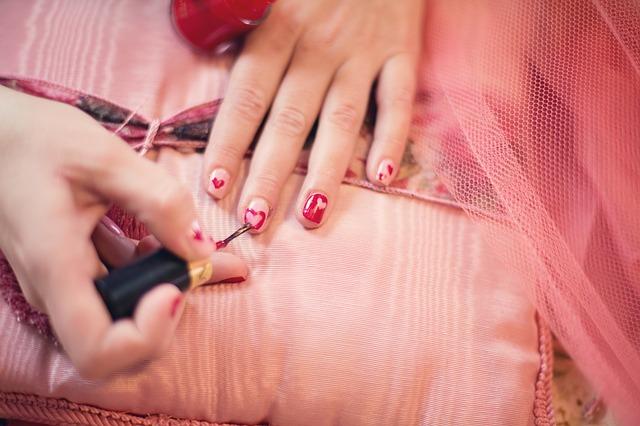 Le vernis à ongles est-il dangereux pour la santé ?