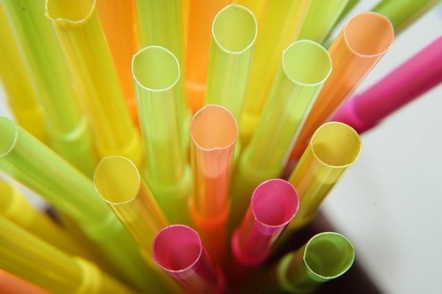 pailles plastiques